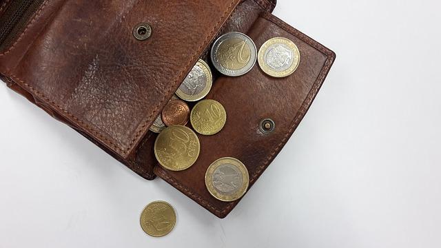 10年以上使い続けている財布がぶっ壊れそう